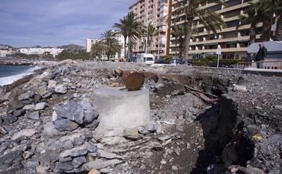 Almuñécar retira 700 toneladas de cañaveras arrastradas por la lluvia
