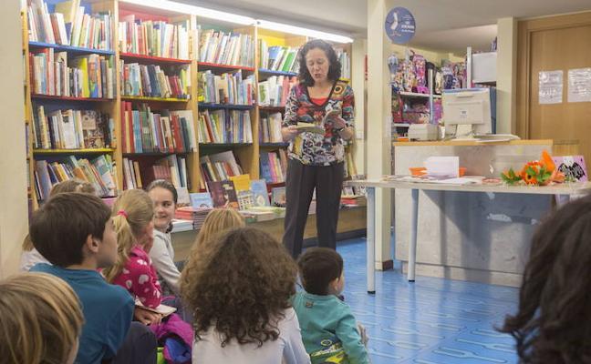 60 autores granadinos celebran el Día de la Poesía