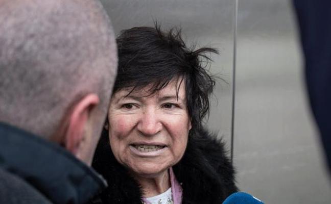 La madre de mellizos con 64 años, «esperanzada» después de que el juez pida un nuevo informe psicosocial