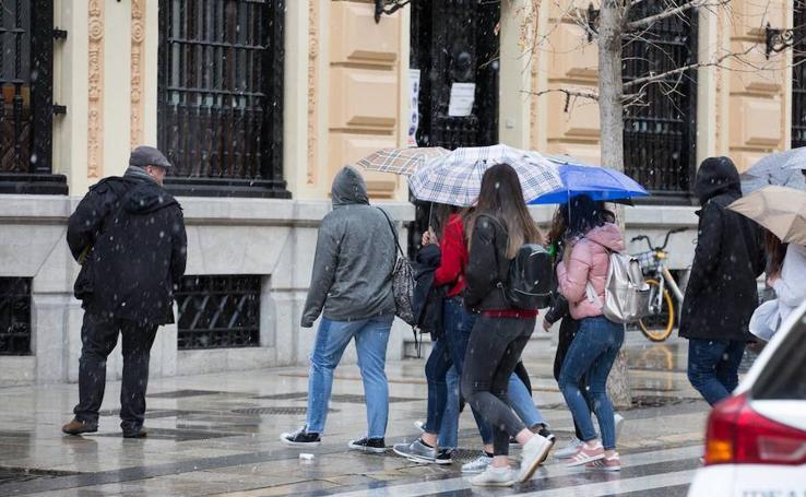 Granada, de la nieve al sol en media hora