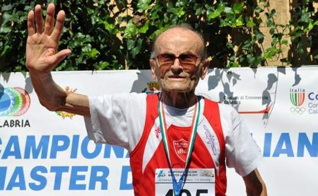 Un súper humano de 101 años: campeón longitud con un salto de 85 centímetros