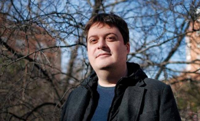 Manuel Bartual salta del estrellato de Twitter a la novela con «El otro Manuel»
