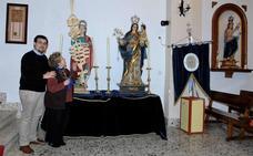 Una hermandad religiosa de Murchas recauda fondos para poder restaurar la imagen de Santa Lucía