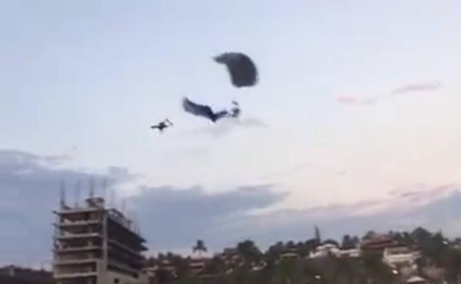 Choque mortal de dos paracaidistas en el aire