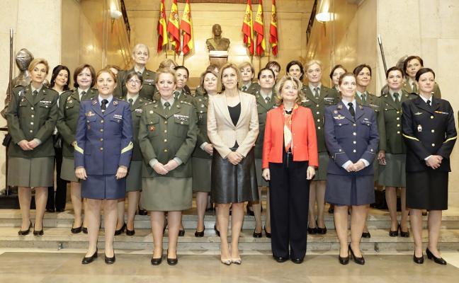 Cospedal agradece a las 15.241 mujeres de las Fuerzas Armadas su servicio y ejemplo