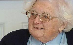 Una anciana de 91 años consigue su doctorado tras 30 años de tesis