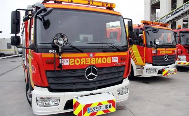 Desalojado un local de Joaquina Eguaras por el incendio de una freidora