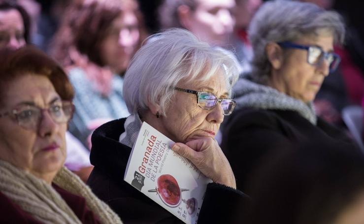 Granada desborda poesía