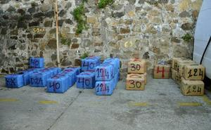 'Cazan' a dos militares de la Armada tratando de meter 750 kilos de hachís en España