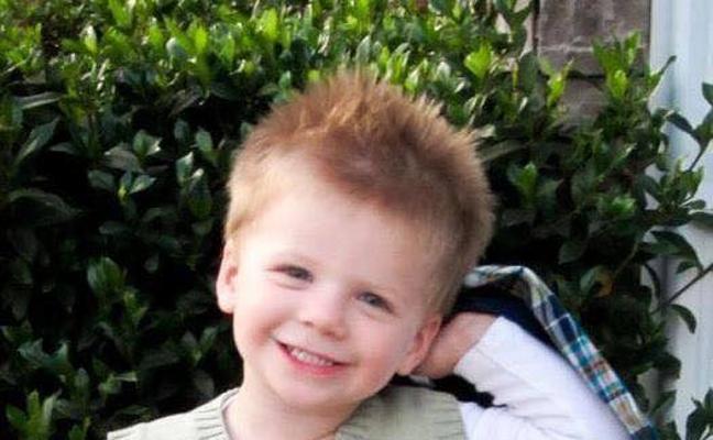 La dura vida del niño que luchó 6 años contra los daños cerebrales que le provocó la caída de una rama en la guardería