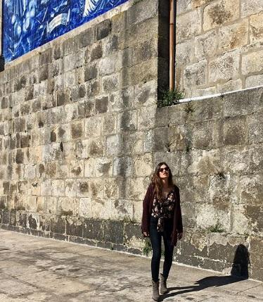 El look primaveral de Sara Carbonero con dos prendas que puedes intentar emular en Zara
