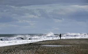 Hugo traerá olas de cuatro metros a Almería