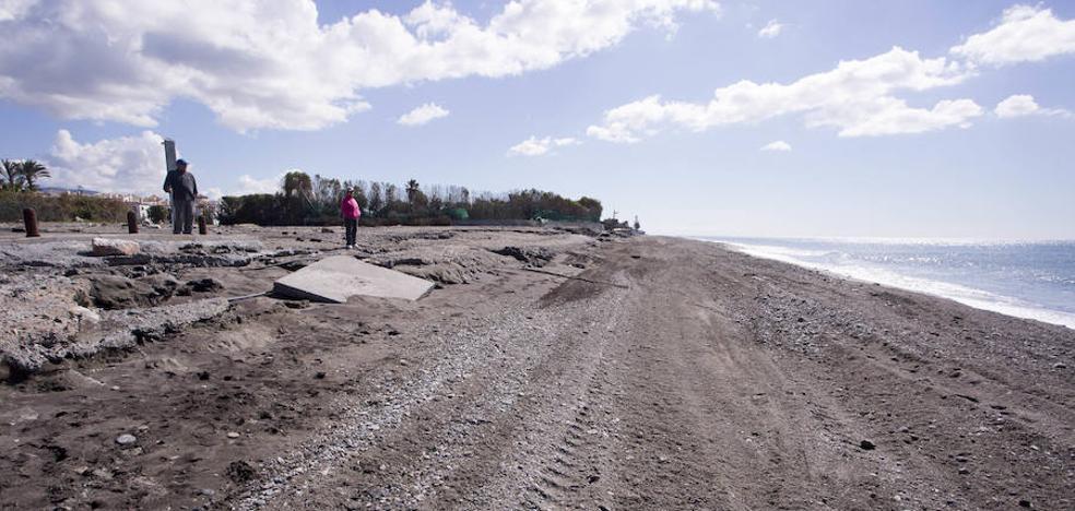 Un esfuerzo municipal extraordinario logra mitigar la huella del temporal en las playas