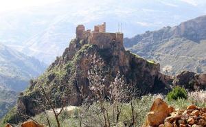 El 'Castillo de los Moros' de Lanjarón se convierte en uno de los lugares más visitados del municipio