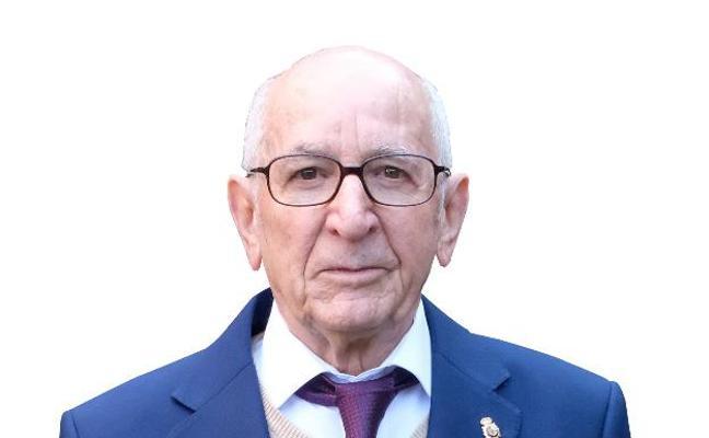 Los secretos del 'profe' más veterano de España: 61 años sin levantar la voz en las aulas