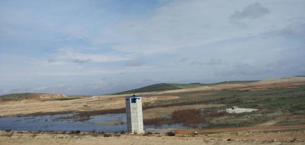 La balsa del Cadimo no recoge ni una gota de agua en 'el mes más lluvioso de la historia'