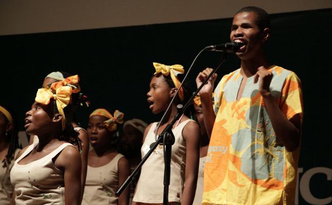 Estrella Morente, madrina en la gira de Malagasy Gospel Choir