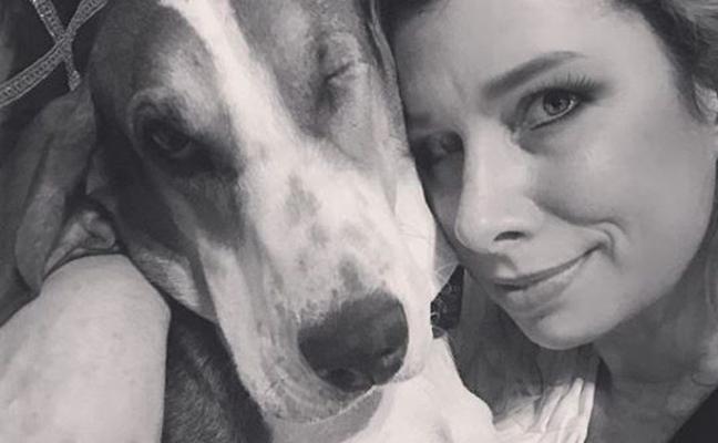 El milagro de una perra de un solo ojo que salvó la vida de su dueña tras detectarle un cáncer de piel