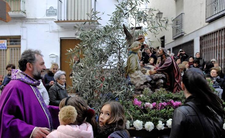 La parroquia de Lanjarón organiza por primera vez una procesión de Semana Santa para niños