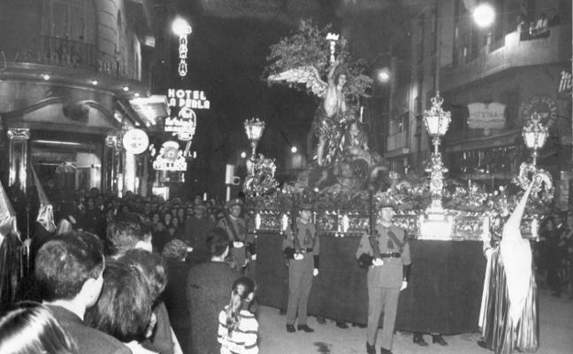 1943, se funda la cofradía del Huerto de los Olivos