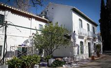La Huerta de San Vicente de García Lorca, seis meses cerrada para una reforma que debería haber durado un solo mes