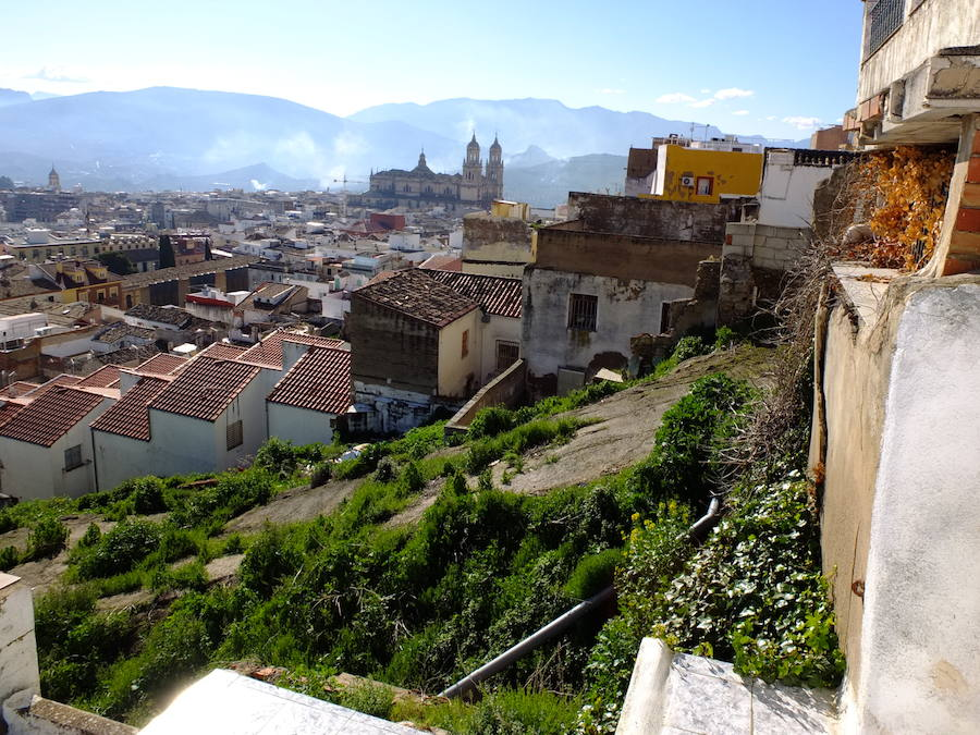 El Jaén cuesta arriba se cae a pedazos