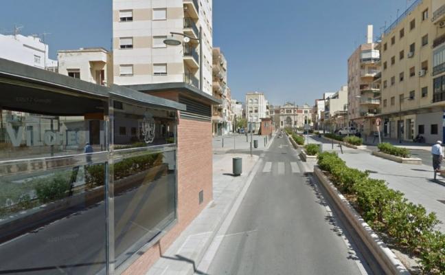 Dueños de plaza en el 'parking' de avenida Vilches, «hartos» de incumplimientos