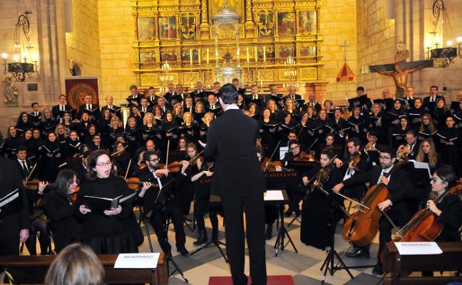 El Miserere de Federico Ramírez inunda de música sacra la basílica de Santa María