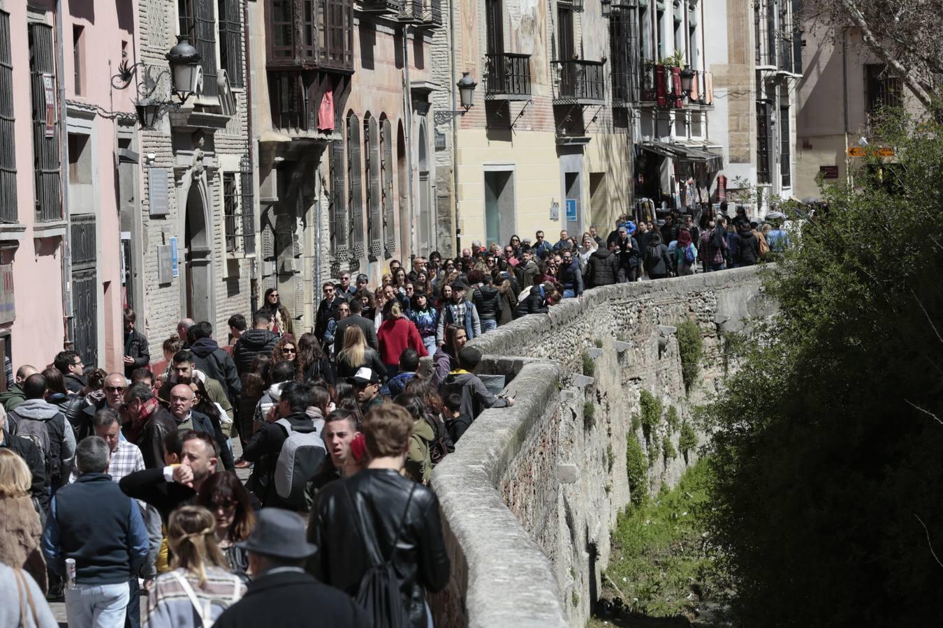 Granada, a tope de turistas