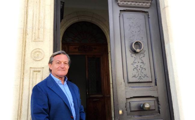 «Almería no tiene ni la gracia de la ciudad moderna ni un casco histórico preservado. Es irrecuperable y su feísmo duele»