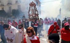 Cúllar Vega quema 100.000 petardos para celebrar a su Resucitado