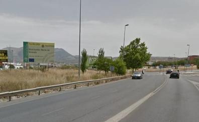 Dos heridos en una colisión de dos vehículos en Granada