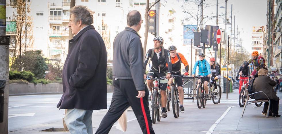 Paseantes versus ciclistas en el Camino de Ronda