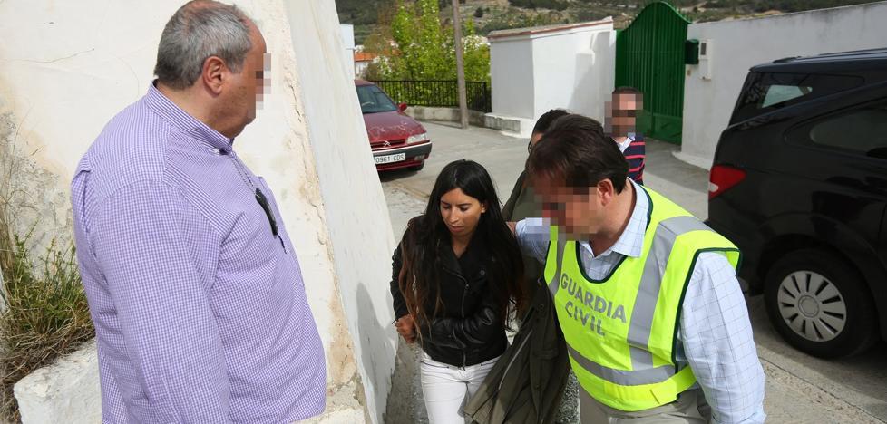 La familia repudia a la madre biológica del bebé que apareció en la planta de basura de Alhendín