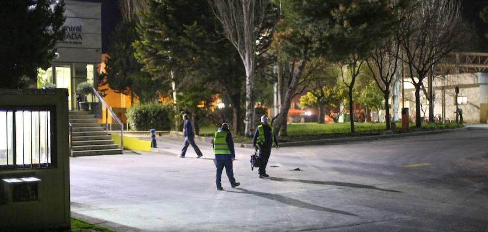 Prorrogan la detención de la madre y el abuelo del bebé asesinado que fue arrojado a la basura en Granada