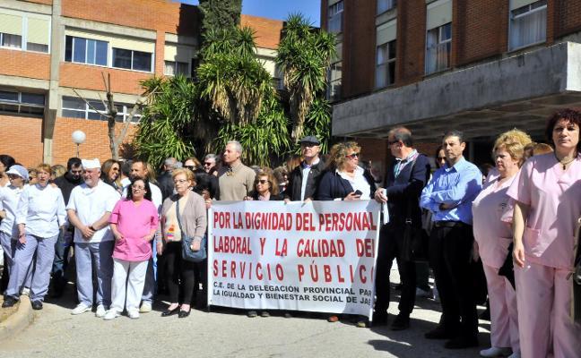 Los trabajadores de la Residencia de Personas Mayores piden más personal