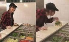 Despedida una empleada una cadena de comida rápida por escupir en la comida