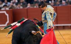 Dos vueltas al ruedo de Curro Díaz en La Maestranza