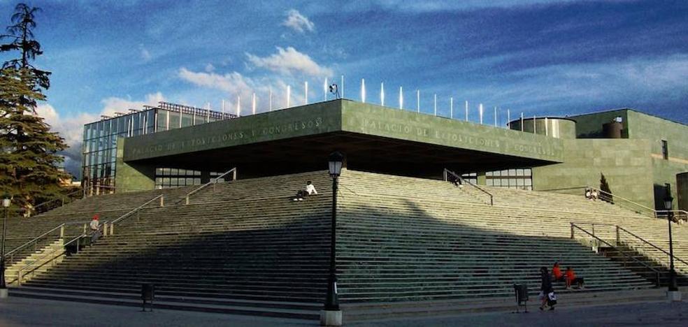 En estado muy grave un hombre tras precipitarse por las escaleras del Palacio de Congresos de Granada