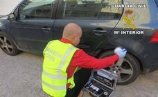 Detenidos tres menores acusados de rajar las ruedas de seis vehículos en Garrucha