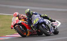 Marc Márquez dice que Rossi «es uno más» en pista y que seguirá «al límite»