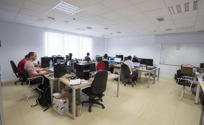 Las 67 empresas de base tecnológica de la UGR han generado 413 empleos