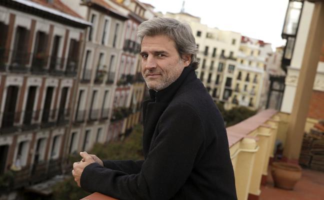 Pinos Puente mantiene la obra de teatro de Alberto San Juan a pesar de la polémica política