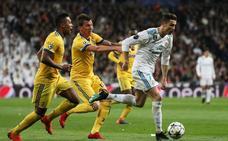 «Es un robo»: arde Twitter por el penalti en el último segundo del Real Madrid
