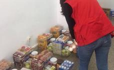 Cruz Roja y Alcampo recogen alimentos para dar la merienda a menores en riesgo de exclusión