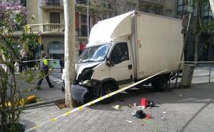 Un camión atropella a seis personas en el centro de Barcelona