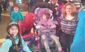 Las Gabias recauda más de 1.000 euros para ayudar a andar a una niña con parálisis cerebral