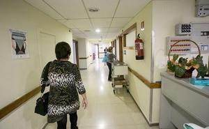 El gerente del hospital de Motril garantiza la cobertura de las plazas de médicos