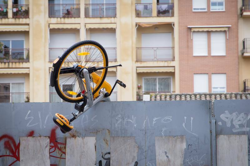 Cuando las bicis cayeron del cielo en Granada
