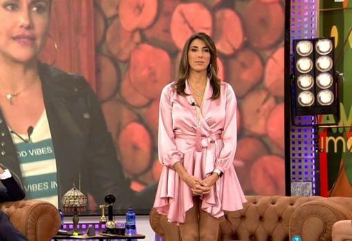 Así es el vestido rosa de la polémica de Paz Padilla